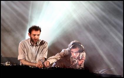 2_Many_DJs